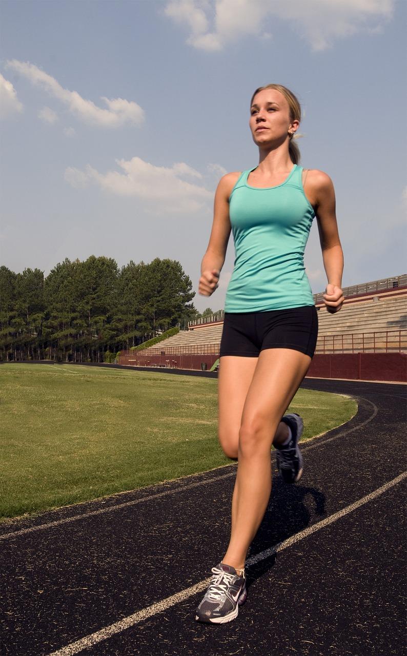 Jak się ubrać do biegania latem?