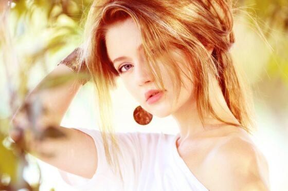 5 praktycznych fryzur na wakacje