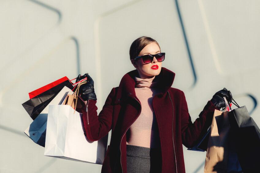 Jak mądrze kupować na wyprzedażach?