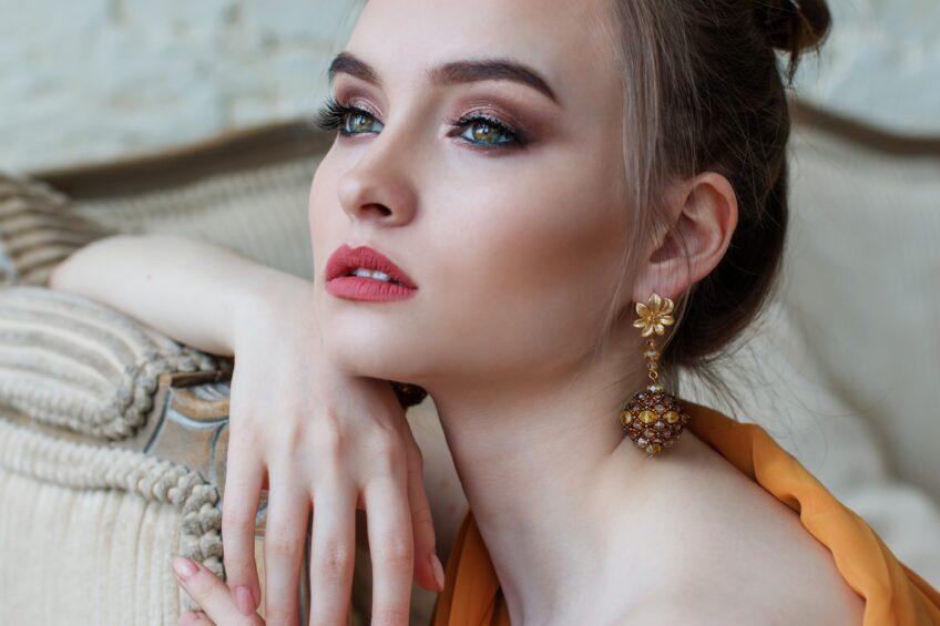 Makijaż na sylwestra 2017/2018 – najmodniejsze trendy